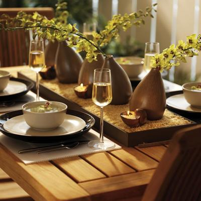 Setting The Table For Home Staging 6, How To Set A Dining Room Table For Staging